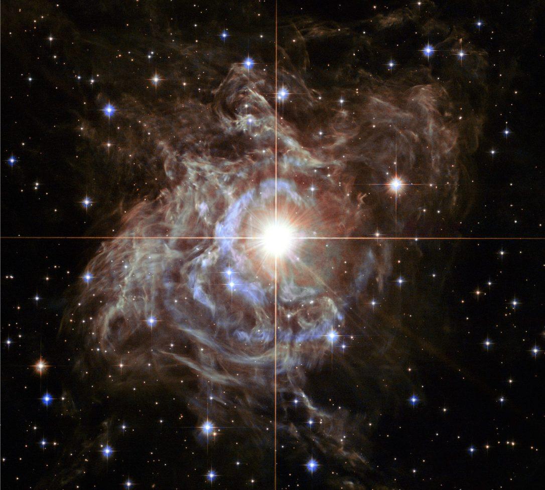#АстроФотоНаДенот - Светлина одекнува од супер-ѕвездата RS Puppis