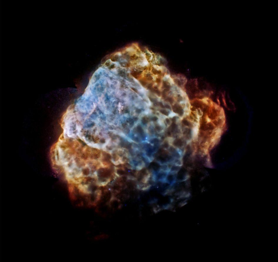 #АстроФотоНаДенот - Во прегратките на супернова