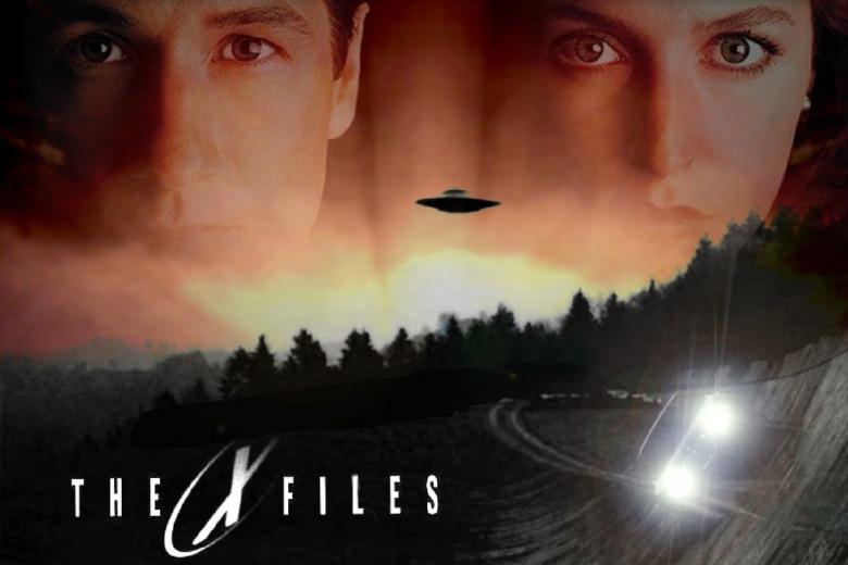 Топ 3 научно фантастични серии кои започнале со снимање во 90-тите