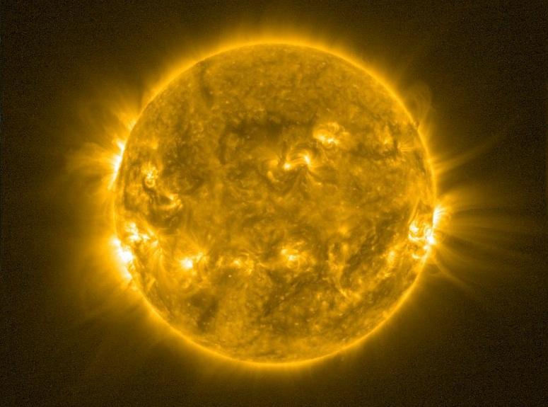 Колку е жешко нашето Сонце?