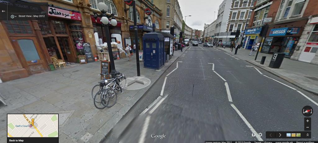 (1) Google Maps ви дозволува да го истражувате познатиот ТАРДИС