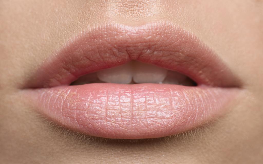 Зошто нашите усни се розови?