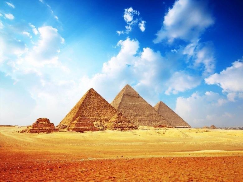 Како пирамидите во Египет биле толку совршено изградени?