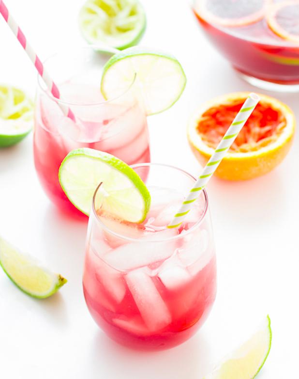 (5) Да, коктелите со вино во моментов се хит ширум светот!
