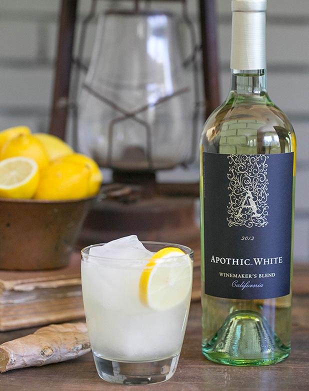 (6) Да, коктелите со вино во моментов се хит ширум светот!