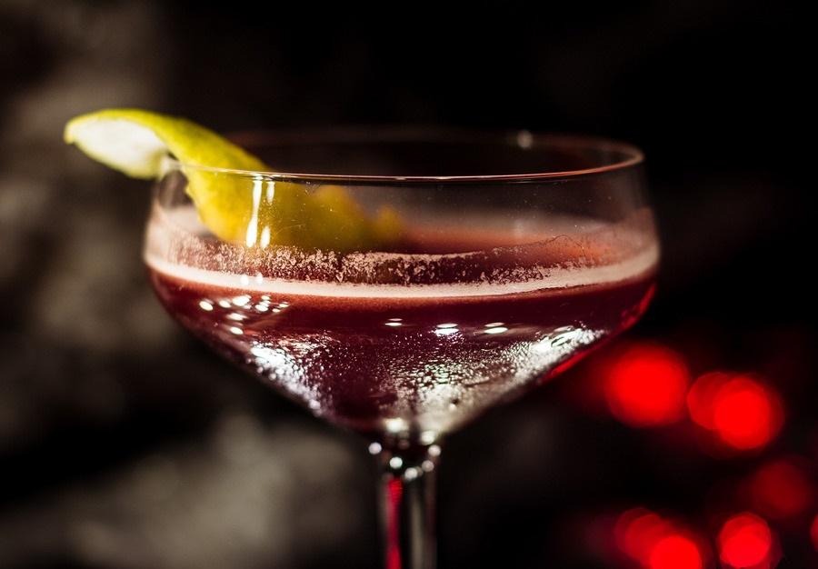 Да, коктелите со вино во моментов се хит ширум светот!